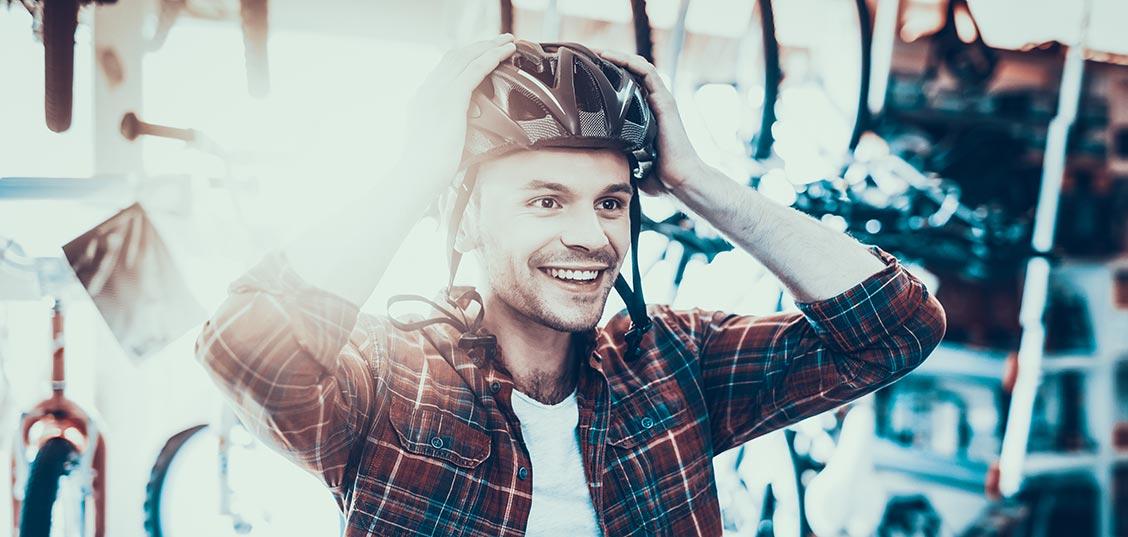 Kako izbrati ustrezno kolesarsko čelado?