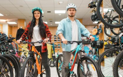 Nakup kolesa v kolesarski trgovini