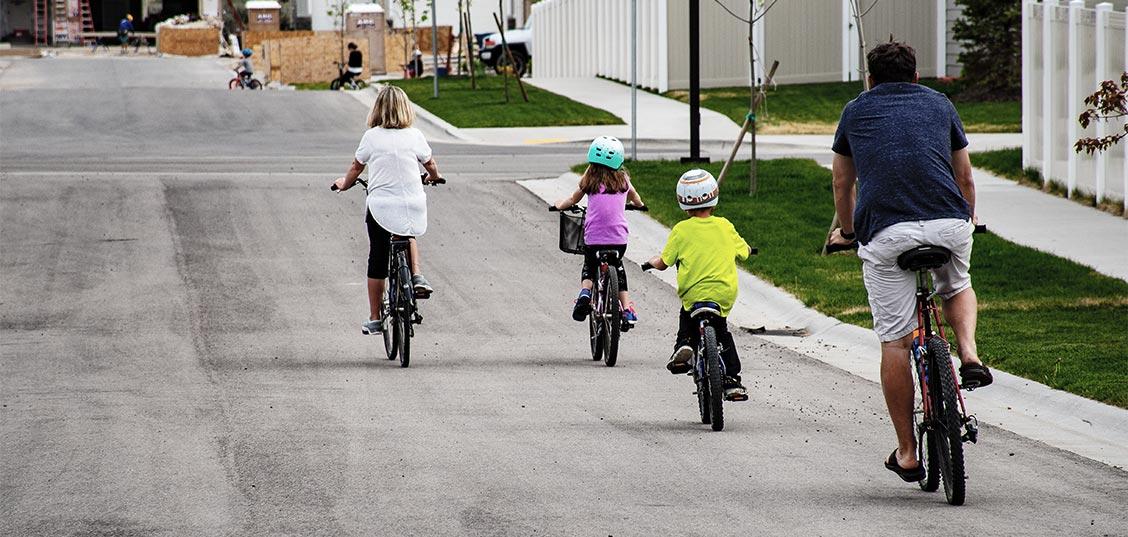 Zakaj se mora otrok naučiti kolesarjenja?